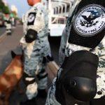 Detiene Guardia Nacional a dos personas que trasladaban en la llanta de refacción más de cinco kilos de aparente crystal
