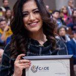 Recibe reconocimiento la doctora Denisse Uribe