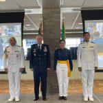 Mujer naval se gradúa de la Academia de la Fuerza Aérea de los Estados Unidos de América