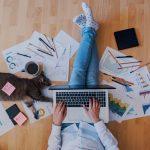 ¿Tu empresa apuesta por el modelo de trabajo híbrido? Evita la división digital entre los empleados